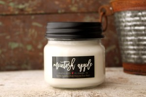 Milkhouse Candles MCINTOSH APPLE Mini Mason