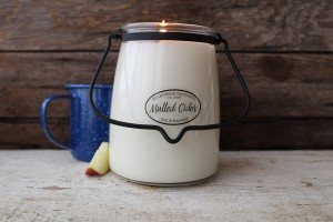 Milkhouse Candles MULLED CIDER Świeca Duża